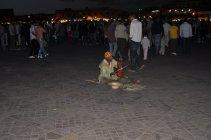 Marakéš náměstí žije i v noci