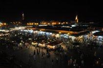 Marakéš - náměstí v noci